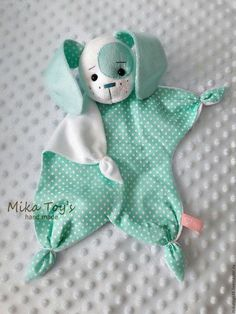 Sock Crafts Cat Crafts Baby Sewing Sewing For Kids Sewing Dolls Crochet Toys Crochet Baby Diy Toys Bunny Baby Toys, Newborn Toys, Baby Fabric, Fabric Toys, Quilt Baby, Sewing Projects For Kids, Sewing For Kids, Diy Projects, Sewing Ideas
