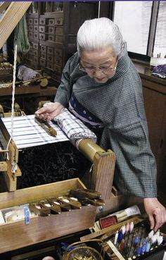 Shimura Fukumi - Weaver, Writer, Designer, Dyer and Teacher (b. Omihachirin, Shiga Prefecture, Japan 1924 ). In 1990 she was designated a Living National Treasure of Japan for her Tsumugi (kimono) plant-dyed silk fabrics. °