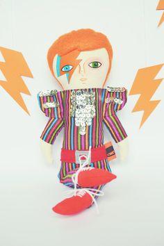 David Bowie doll / Aladdin Sane / Cloth doll / by Mandarinas De Tela www.mandarinasdetela.etsy.com #MandarinasDeTela
