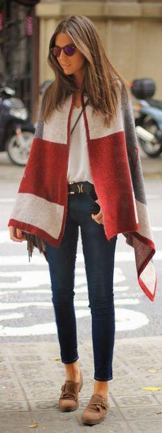 Poncho: come indossarlo nella stagione ideale