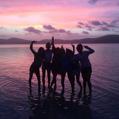 Untitled fun with frnds friends in love, bff pictures и frie Bff Pics, Photos Bff, Cute Friend Pictures, Friend Photos, Photo Summer, Summer Pictures, Beach Pictures, Best Friend Fotos, Summer Goals