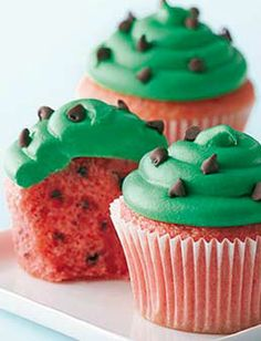 Watermelon cupcakes  chips - click for the recipe
