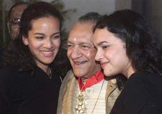 Ravi Shankar with daughters Anoushka Shankar and Norah Jones after receiving France's highest civilian award in New Delhi.