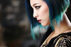 SMTOWN Vyrl f(x) - 'RED LIGHT' + 'Shake That Brass' Era Luna Fx, Krystal, Asian Beauty, Dreadlocks, Victoria, Long Hair Styles, Celebrities, Shake, Red