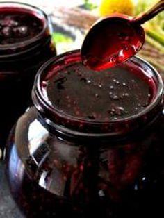 Confiture de mûres                                                                                                                                                     Plus Wine Jelly, Jam And Jelly, Chutneys, Canning Salsa, Homemade Tea, Vegetable Drinks, Food Menu, Love Food, Food And Drink