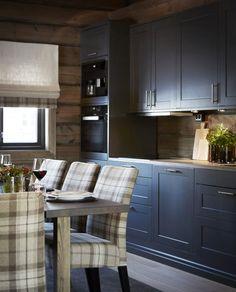 Chalet Interior, Interior Design, Mountain Cottage, Cabin Interiors, Küchen Design, Kitchen Cabinets, Dining Room, Inspiration, Furniture