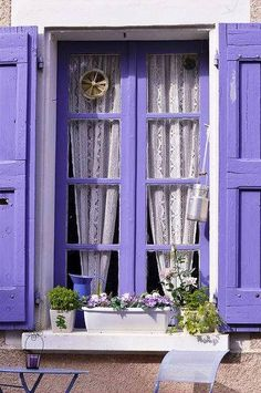 lilac&lavendercottage.quenalbertini2: Cottage window