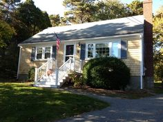IMMACULATE THREE BEDROOM/TWO BATH CAPE THAT IS A SHORT WALK TO TOWN! Just about 7/10's of a mile to Chatham Angler's ballfield!! Cozy fireplaced living room, updated kitchen and family room are perfect for up to six people. http://www.vacationcapecod.com/chatham/vacation-rentals/csher/447 #chathamvacationrental #capecodvacation #capecod #chathambaseball #chathamvacation