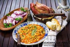 Romanian baked beans with smoked pork knuckle. Traditional baked beans with smoked meat. Recipe on Yummly Romanian Food, Romanian Recipes, Good Food, Yummy Food, Smoked Pork, Smoking Meat, Baked Beans, Top Recipes, Lentils