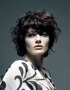 Short hairstyles for square faces with voluminous hair