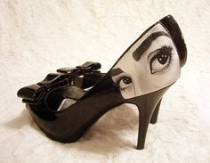 Audrey pumps