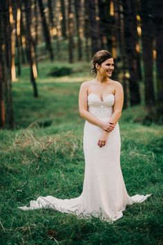 Gorgeous strapless Alma J Bridal wedding gown and simple up do | image by David Le