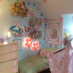 Sophie's bed and pet shop, March 2014 Cute Room Ideas, Cute Room Decor, Room Ideas Bedroom, Bedroom Decor, Pastel Room, Kawaii Room, Indie Room, Pretty Room, Aesthetic Room Decor