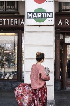 Gucci_Skirt-Clogs-Pink_Sweater-Cuneo-Street_Style-Collage_Vintage-Outfit-Bruna_Rosso-4