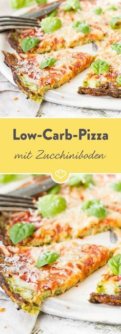 Pizza without flour? Of course, with a bottom of zucchini, egg and spicy cheese. Pizza without flour? Of course, with a bottom of zucchini, egg and spicy cheese. A variant of the Italian classic for all low carb supporters. Low Carb Pizza, Low Carb Diet, Paleo Pizza, Healthy Pizza, Spicy Pizza, Diet Pizza, Healthy Food, Vegan Keto, Raw Vegan