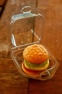 Een hamburger in snoepvorm, waarom niet?! Njammie!
