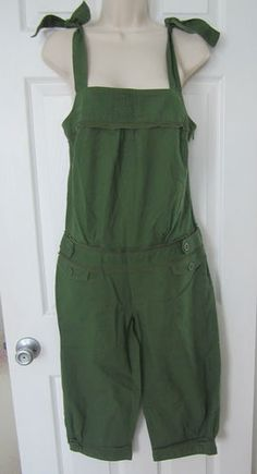 "New Coco & Chase Nordstrom Cropped Jumpsuit Size Medium Olive Green 17"" Inseam"