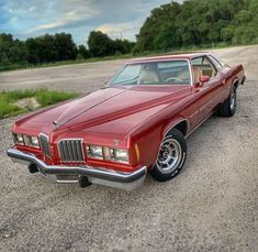 "@colonnade_cravings on Instagram: ""#70scarsrule  #pontiacporn 😎  @moto_eighty4  . . . #colonnadelife #pontiac #pontiacgrandprix #colonnadelove #colonnademuscle #gmcolonnade…"" 70s Cars, Pontiac Grand Prix, Cravings, Antique Cars, Muscle, Bmw, Life, Instagram, Vintage Cars"