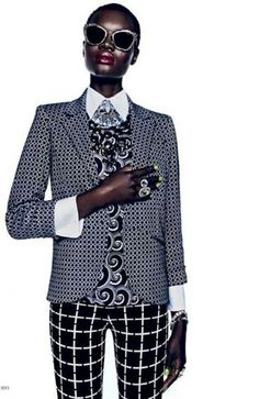 Strong Suit – The April issue of Marie Claire South Africa focuses on suited looks with bold patterns in this feature starring Aluad Deng Anei. Fashion Looks, Love Fashion, Womens Fashion, Fashion Black, African Inspired Fashion, African Fashion, Mode Queer, Mode Wax, Style Africain