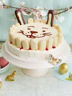 Leckere Torte mit Hasenohren.