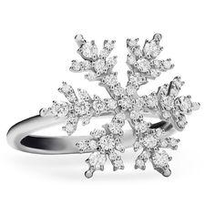 Paul Morelli Snowflake Diamond Ring #houseofpaulmorelli #designandcraftedinamerica  #philadelphia
