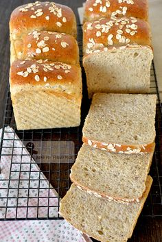super soft honey wholegrain wholemeal sandwich bread Wheat Foods, Honey Bread, Sandwich Bread Recipes, Baked Oats, Baking Business, Whole Wheat Bread, Bun Recipe, Bread And Pastries, Baking Supplies