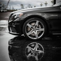 Halfway along the journey north, we stop to admire the powerful, 20-inch alloy wheels fitted at all four corners of the S63 AMG Sedan—conversation pieces on their own.    #MBPhotoPass @Marta Davis Barth    #MBPhotoCredit #mercedes #benz #s63 #amg #washingtondc #NY #NJ #newyork #newjersey #instacar #cherryblossoms #roadtrip #luxury #germancars #carphotography #carsofinstagram #sedan