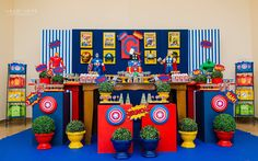 Set up ideas for prize table Baby Avengers, Avengers Superheroes, Avengers Birthday, Superhero Birthday Party, Hulk Party, Superman Party, Cumple George Pig, Birthday Party Decorations, Party Themes