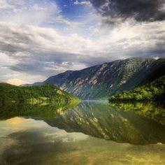 Lake / Jezero Perućac