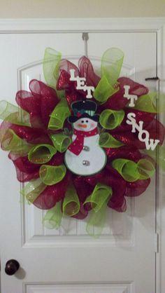 mesh wreaths | Let it Snow Deco Mesh Wreath | DIY