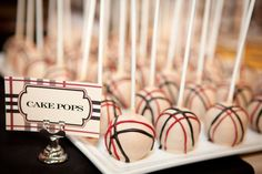 Burberry cake pops for Nina's Pretty Cakes, Cute Cakes, Beautiful Cakes, Flower Cake Pops, Bird Cookies, Purple Hibiscus, Occasion Cakes, Childrens Party, Cake Designs