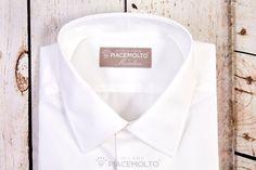 La #camiciauomo SuperSartoriale™ è realizzata in puro cotone #Twill doppio ritorto 100/2 #WrinkeFree all season colore Bianco.con finissima riga diagonale. Caratteristiche: #ColloItaliano e polso per gemelli.  Crea la tua #CamiciaSuMisura ▶ http://www.piacemolto.com/it/camicie-uomo-su-misura-wrinkle-free-no-iron/176-camicie-shop-on-line-crea-la-tua-camicia-su-misura-in-cotone-twill-.html    #MadeinItaly
