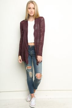 Love the sweater Shawl Cardigan, Cardigan Outfits, Sweater Jacket, Fall Winter Outfits, Autumn Winter Fashion, Fall Fashion, Ootd Fashion, Fashion Outfits, Fashion Styles