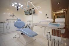 En Clínica KEMM tenemos un gran equipo especializado que trabaja con gran pasión para ofrecerle la más alta calidad de servicio médico dental. Por favor no dude en ponerse en contacto con nosotros para discutir sus necesidades a gran detalle, o si tiene alguna pregunta acerca de nuestros servicios.
