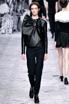 Viktor & Rolf Herfst/Winter 2013-14 (7)  - Shows - Fashion