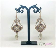 This tutorial will teach you how to make Greige earrings You will download PDF file with step by step instructions, tips and pics. Language:English
