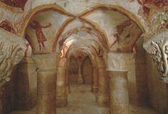 TAVANT (Indre et Loire) Chapelle Saint Nicolas - crypte - fin XIe