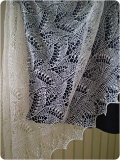 THIS SHAWL WILL BE MADE TO ORDER The waiting time is about 3-4 weeks+time for shipping. This is hand knitted Estonian Haapsalu shawl. I used