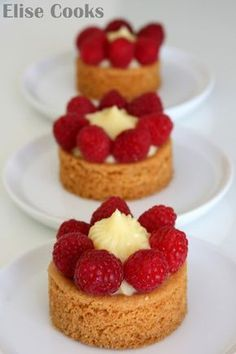 Shrink your URLs and get paid! Mini Desserts, Delicious Desserts, Sweet Recipes, Cake Recipes, French Pastries, Sweet Tarts, Mini Cakes, Love Food, Bakery