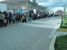 La fila para ingresar al primer supermercado Metro en Huancayo #retailperu