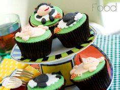 Farm Animal Cupcakes made with fondant using moulds