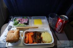 Abendessen an Bord - Check more at https://www.miles-around.de/trip-reports/economy-class/rueckflug-mit-sas-washington-kopenhagen-stockholm-berlin/,  #ARN #CPH #IAD #SASGo #SASScandinavianAirlines #TXL