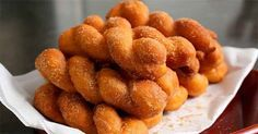How to Make Twist Donuts. Twist donuts are a tasty treat in many cultures around the world. With a few simple ingredients, you can make twist donuts at home. Korean Dessert, Korean Sweets, Korean Food, Donut Recipes, Dessert Recipes, Cooking Recipes, Korean Donuts Recipe, Korean Dishes, Asian Desserts