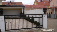 Sichschutz zur Einfahrt incl. Tor