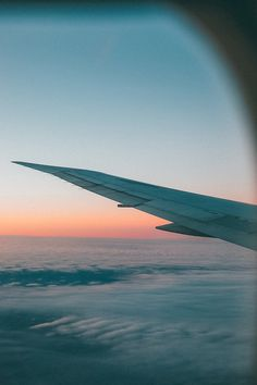 travel photography / sunset / airplane / vacation destination
