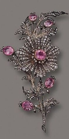 nice PINK TOPAZ AND DIAMOND FLOWER BROOCH, CIRCA 1890...