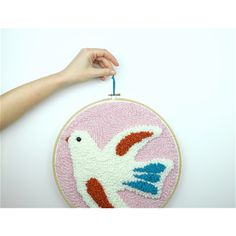 Colombe punch needle chaumiere oiseau You Make Beautiful Things, Diy Broderie, Punch Needle Patterns, Embroidered Quilts, Rug Hooking, Pattern Art, Handicraft, Coin Purse, Creations