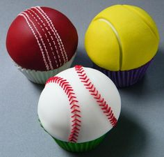 More ball cupcakes by Mandy's Sugar Craft Tennis Cupcakes, Fondant Cupcakes, Fun Cupcakes, Sports Birthday, Sports Party, Cricket Cake, Childrens Cupcakes, Sports Themed Cakes, Cricket Crafts