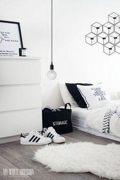 Habitación minimalista y moderna con #alfombra a juego
