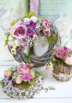Virág Stúdió - Home Center Página curtida · 17 de março Summer Door Wreaths, Christmas Wreaths, Christmas Decorations, Pink Wreath, Floral Wreath, Handmade Decorations, Flower Decorations, Crafts To Make, Diy Crafts
